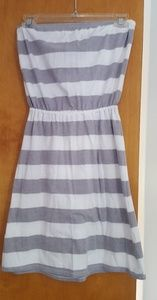 Strapless dress, grey and white stripes 60% Cotton